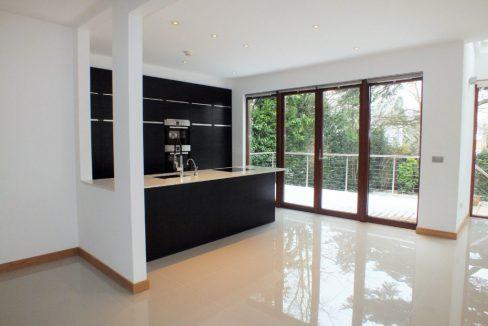 Cedar-House-38-Hanger-Hill-Weybridge-Kitchen-family-room-1024x683