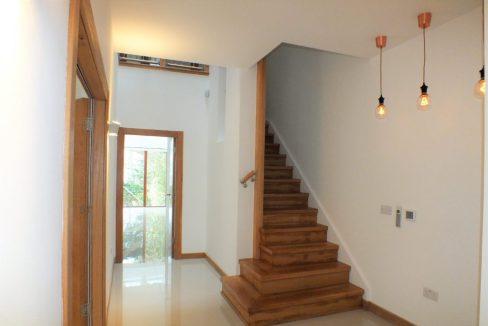 Cedar-House-38-Hanger-Hill-Weybridge-Reception-hall-1024x683
