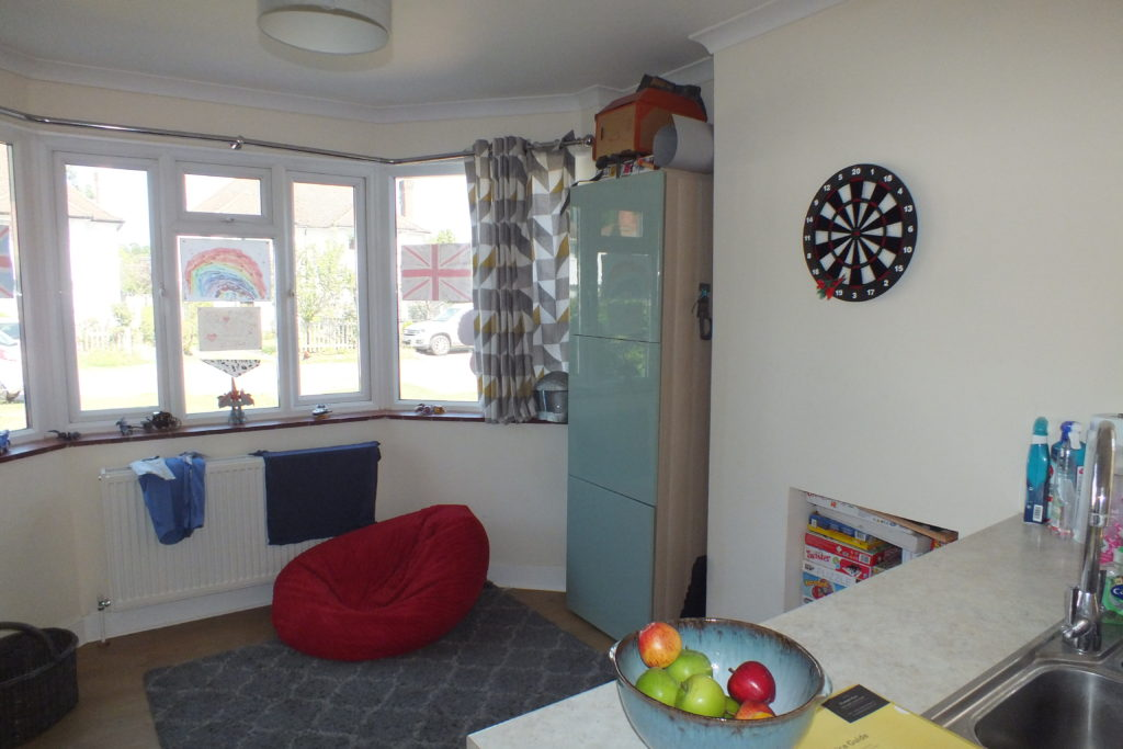 1-Clock-House-Mead-Oxshott-Family-area-1024x683