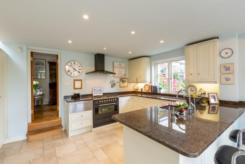 209-Barnett-Wood-Lane-Ashtead-Kitchen-1024x683