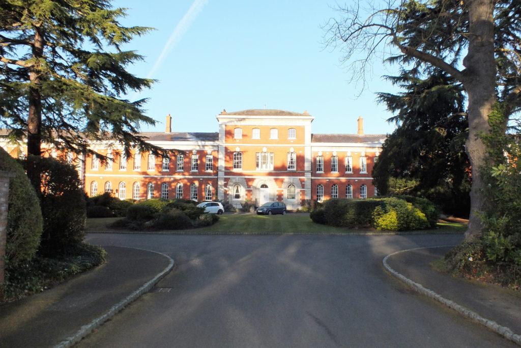 33-Ellesmere-Place-Walton-on-Thames-Front-1024x683