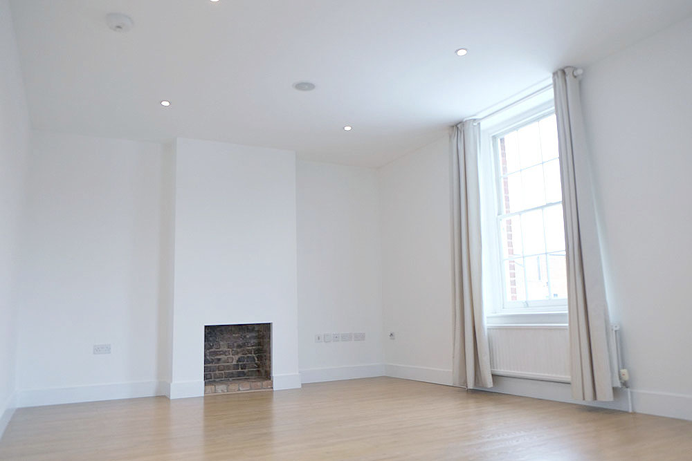 3a-High-Street-Esher-Reception-room