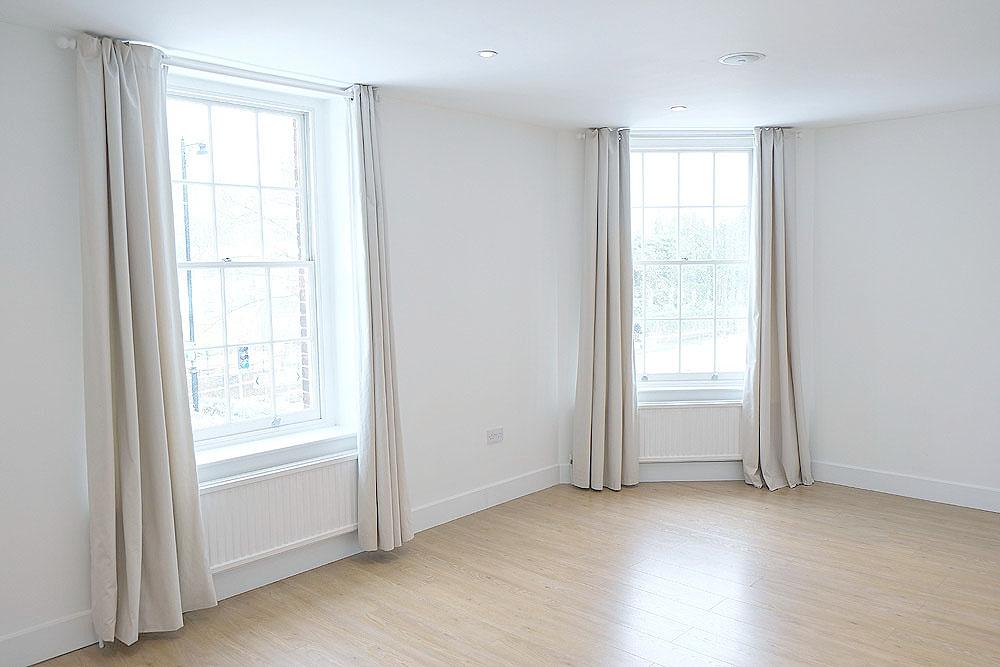 3a-High-Street-Esher-Reception-room-2