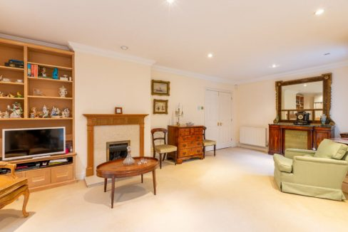 4-Carrington-Place-Esher-Fireplace-1024x683