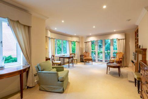4-Carrington-Place-Esher-Reception-room-1024x683