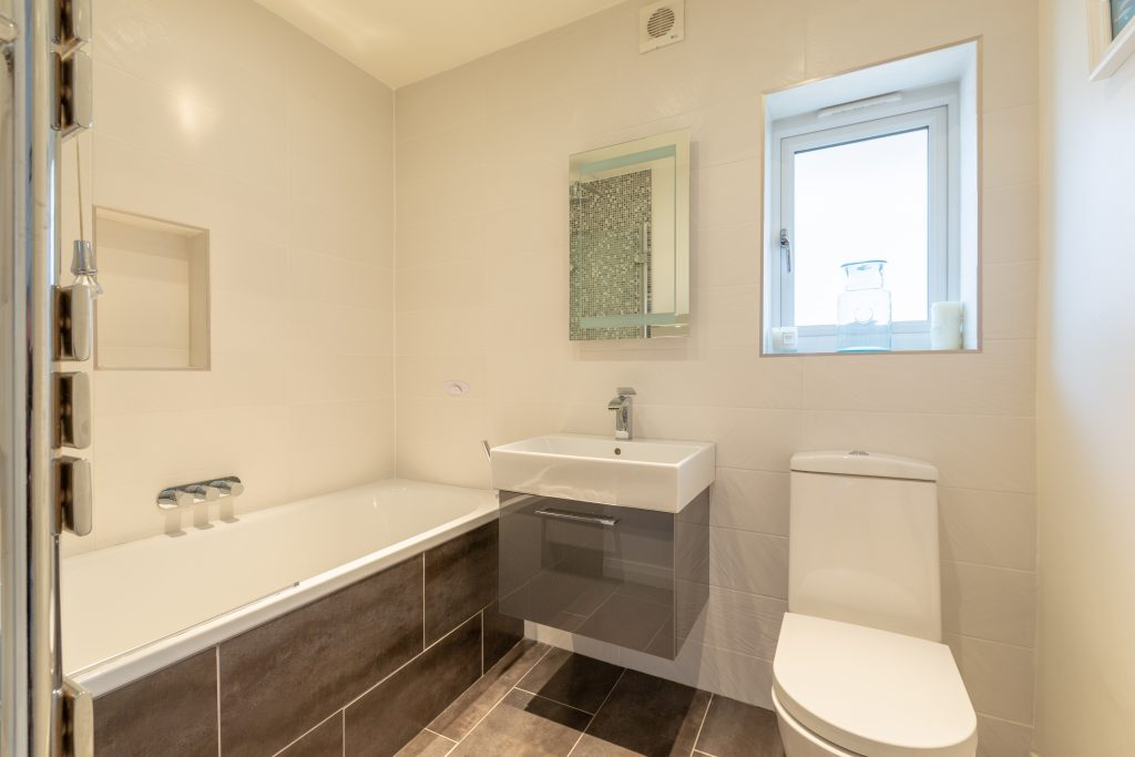 6-Cranbrook-Drive-Family-bathroom-1024x683
