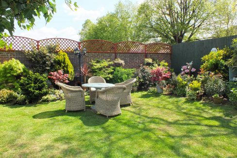 Brentwood-Court-View-from-rear-balcony-1024x683_0002_Garden