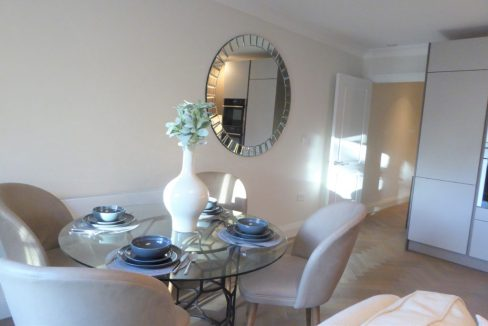 Flat-6-St-Georges-Heights-Claremont-Lane-Esher-Dining-area-1024x683