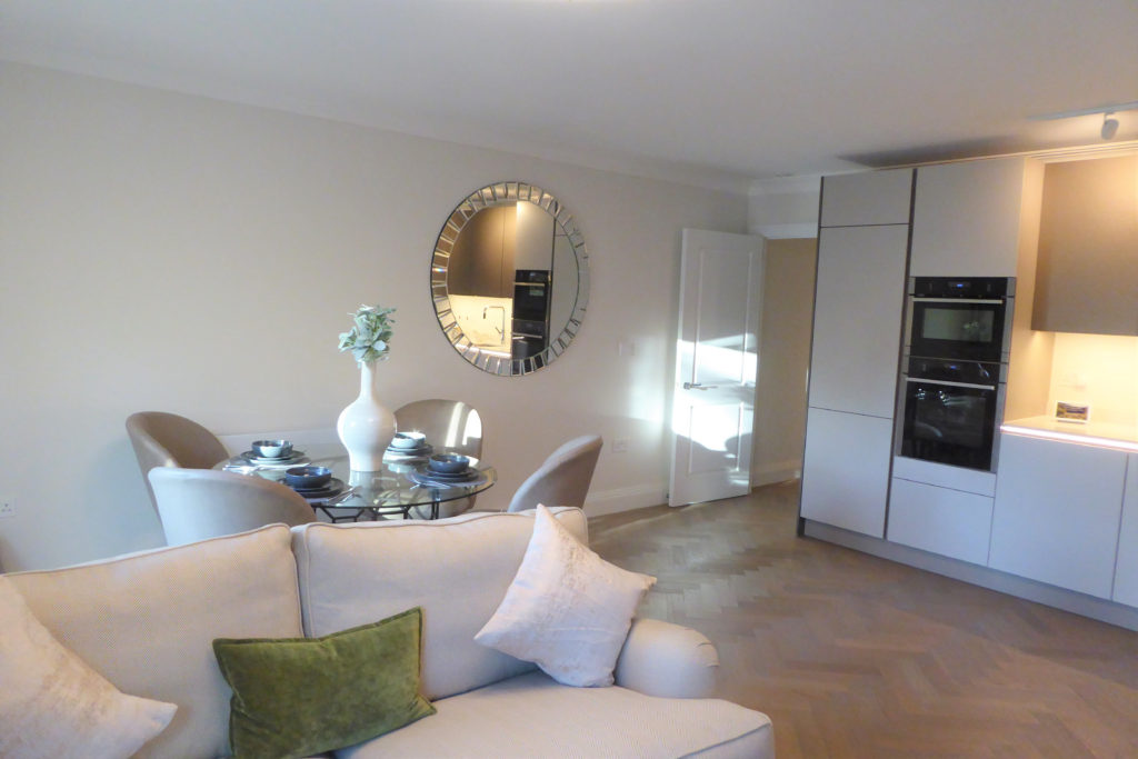 Flat-6-St-Georges-Heights-Claremont-Lane-Esher-Dining-living-room-1024x683