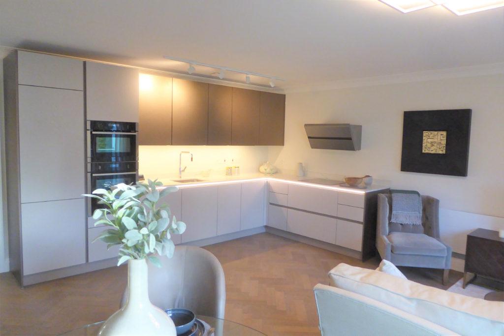 Flat-6-St-Georges-Heights-Claremont-Lane-Esher-Kitchen-1024x683