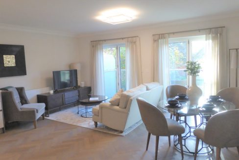 Flat-6-St-Georges-Heights-Claremont-Lane-Esher-Living-room-1024x682