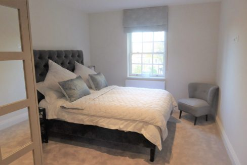 Flat-6-St-Georges-Heights-Claremont-Lane-Esher-Master-bedroom-1024x683