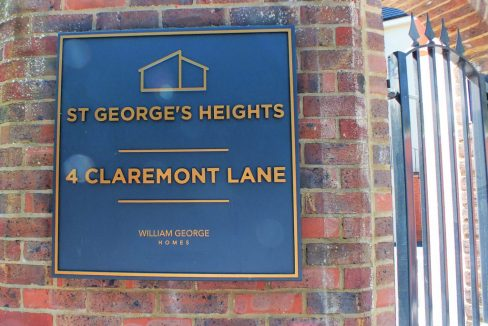 St-Georges-Heights-Esher-Nameplate-1024x807